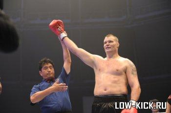 Результаты GLORY 4 Tokyo 2012: Полуфинальные бои и финал (ВИДЕО)