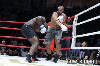 Бадр Хари победил Исмаэля Лондта техническим нокаутом на бойцовском шоу «Грозная битва 6»